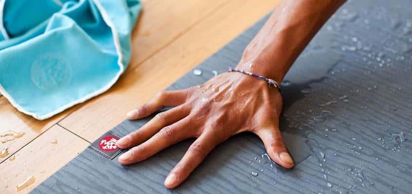 Čiščenje joga blazine